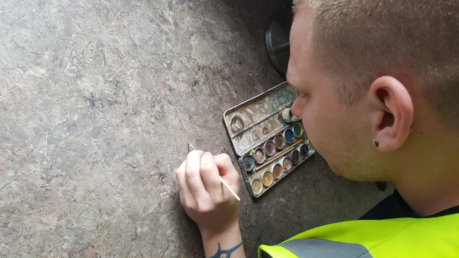 Worktop repair applying colour